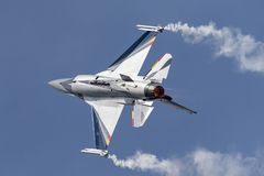 För flygvapenGeneral Dynamics F-16AM för belgisk luft del- belgiskt flygplan för kämpe för falk stridighet Arkivbild