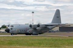 För flygvapenLockheed C-130H Hercules för belgisk luft del- belgiskt flygplan CH-11 militärt last Arkivfoto
