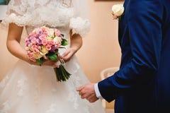 för fokusförgrund för 3 bukett bröllop Arkivfoton