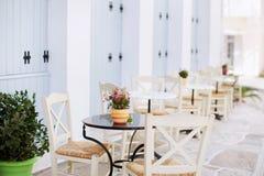 för fokustabell för cafe första tabeller Arkivfoto