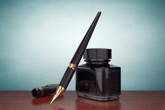för fotostil för fall gammal town Reservoarpenna med färgpulverflaskan Royaltyfri Fotografi