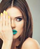 För framsidakvinna för slut övre modell i skönhet fotografering för bildbyråer