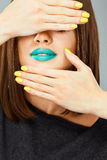För framsidakvinna för slut övre modell i skönhet Royaltyfria Foton