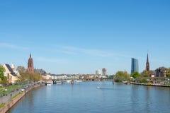 för frankfurt för område finansiella skyskrapor horisont Royaltyfria Bilder