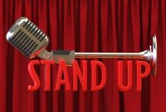 För gardinbakgrunden för mikrofonen står röd text upp Royaltyfri Foto