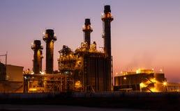 för gasväxt för skymning elektrisk turbin för ström royaltyfri bild