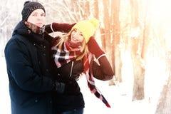För gatavinter för par förälskad sol Royaltyfri Fotografi