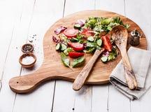 för grönsallatmix för gurka ny grönsak för tomat för sallad Arkivfoto