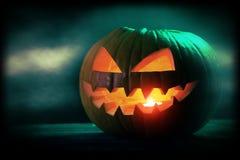 för halloween för dator 3d mörk frambragd pumpa bild Arkivbild