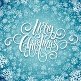 För handskriftskrift för glad jul bokstäver Jul som hälsar bakgrund med snöflingor också vektor för coreldrawillustration Arkivbild