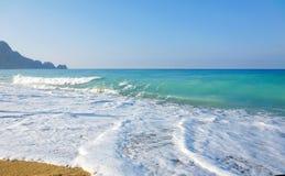 för havssky för strand sandiga waves Arkivbilder
