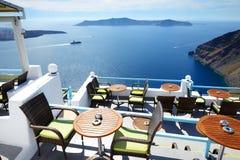 för havsterrass för hotell lyxig sikt arkivfoto