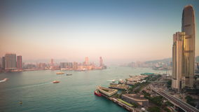 För Hong Kong för solnedgång ljust för victoria fjärd porslin för schackningsperiod för tid för panorama 4k för tak hamn lager videofilmer