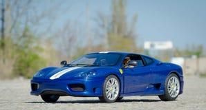För HotWheels för Ferrari 360 utmaningStradale 1:18 modell elit arkivbild