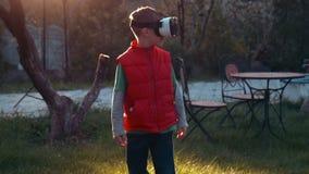 För huvuduppsättning för virtuell verklighet modig utrustning lager videofilmer