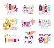 För idérik Logo Set With Symbols Of gruppmall för ungar befordrings- konst och kreativitet, målning och origami stock illustrationer