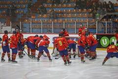 För ISHOCKEYVÄRLD för 2017 IIHF MÄSTERSKAP - Rumänien vs Spanien arkivbilder