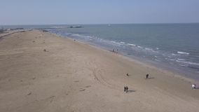 För Italien för strand för Rimini havskust video för bästa sikt 4K UHD flyg- surr lager videofilmer