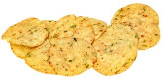 För Jalapenohavre för gluten fria chiper i en hög över vit Arkivbilder