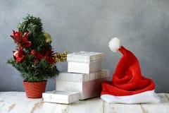 för julsammansättning för bauble blått exponeringsglas fotografering för bildbyråer