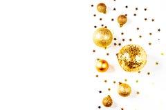 för julsammansättning för bauble blått exponeringsglas en modell av guld- julbollar och stjärnor från över Lekmanna- lägenhet, bä Royaltyfri Fotografi