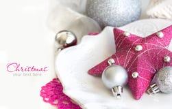 För jultabell för fuchsia rosa inställning Arkivbild