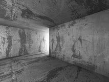 För källarerum för mörker konkret inre med utgångsljus Architectu Arkivbilder