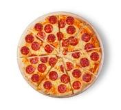 för kökpeperoni för bakgrund italiensk white för pizza Bild av en pizza på en vit bakgrund Royaltyfria Foton
