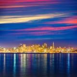För Kalifornien för San Francisco solnedgånghorisont reflexion för vatten fjärd Royaltyfri Foto