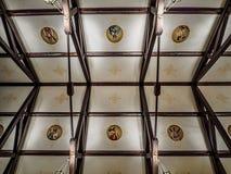 För katolsk kyrkatak för St Henrys New Orleans LA arkivfoton