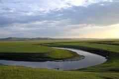 För Khan Mongolian för guld- hord för Mergel flodstrand stammar stäpp royaltyfri fotografi