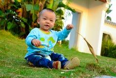 För Kina för ¼ för pojkebarnï ˆAsian ‰ för ¼ yellowï, royaltyfri fotografi