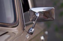 För klassikerguling för tappning gammal taxi I Royaltyfria Foton