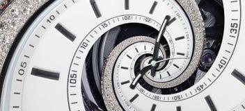 För klockaklockan för den moderna diamanten vred vita händer för klockan till den overkliga spiralen Abstrakt spiral fractal Patt Arkivbilder