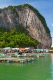 By för KohPanyee fiskare i Thailand Arkivbilder