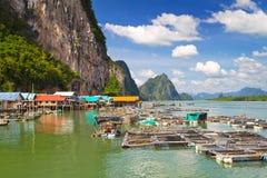 By för KohPanyee fiskare på den Phang Nga fjärden Royaltyfri Bild