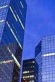 för kontorssky för gryning moderna torn Arkivbilder