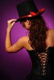 för korsetthatt för skönhet svart kvinna för silk Royaltyfria Bilder