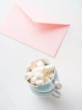 För kortvalentin för tomt papper rosa inbjudan för dag för ` s Arkivbild