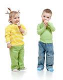 is för kräm- flicka för pojkebarn lycklig Arkivfoton