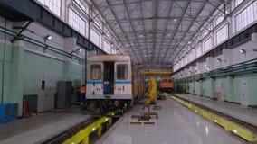 För Krasnaya för bussgarage för tunnelbana för gångtunneldrev inre presnya stock video