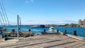 För kunglig personAustralien för HMAS Farncomb SSG 74 hed ubåt i den Sydney hamnen royaltyfria bilder