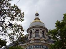 För kupolhimmel för AU PRINTEMPS sikt - Paris stad Fotografering för Bildbyråer