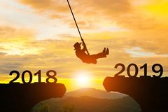 För kvinnarep för lyckligt nytt år hopp 2019 arkivbild
