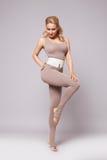 För kvinnasport för skönhet sexig kläder för form för kropp för kondition för pilates för yoga royaltyfria foton