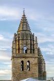 För kyrklig klocka för torn byggnad för 16th århundrade sent sen gotisk av San Esteban som byggs i byn av Loarre Aragon Huesca Sp Fotografering för Bildbyråer