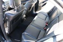 för läderhastighet för bil inomhus inre medel för sportar Bakre platser av en bilinre Auto inre med baksäten Royaltyfria Bilder