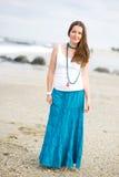 för längdstående för härlig brunett full kvinna Royaltyfria Bilder