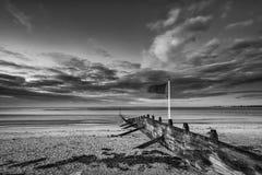 För lågvattenlandskap för härlig strand kust- bild på soluppgång i b Royaltyfria Foton