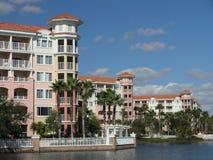 för lakesemesterort för 8 byggnader semester Arkivbild